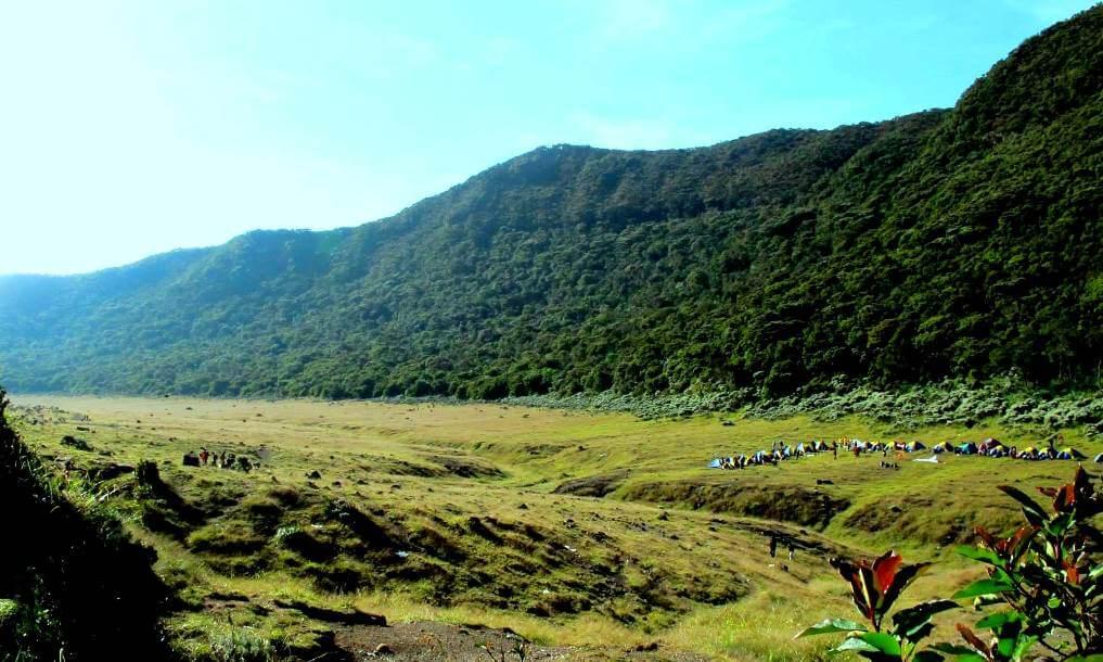 Alun - alun Suryakencana, Gunung Gede